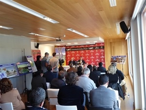 Más de 30 periodistas han asistido a la rueda de prensa de balance del año en La Nucía