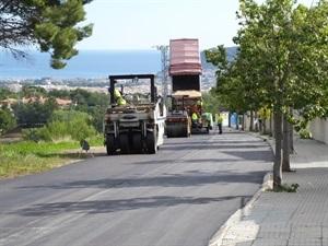 El carrer Verderol da acceso a más urbanizaciones de La Nucía