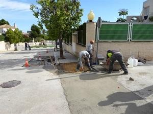 Paralelamente se han realizado obras de mejora y mantenimiento en las aceras de Montesol