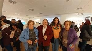 """Los actores del Grupo de Teatro """"La Casilla"""" antes de la proyección de su corto """"Una comunidad con suerte"""""""