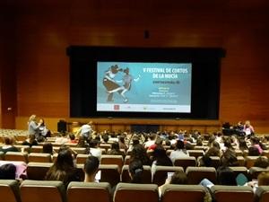 200 alumnos de los Intitutos de La Nucía y Bellaguarda de Altea disfrutaron de una sesión matinal del festival